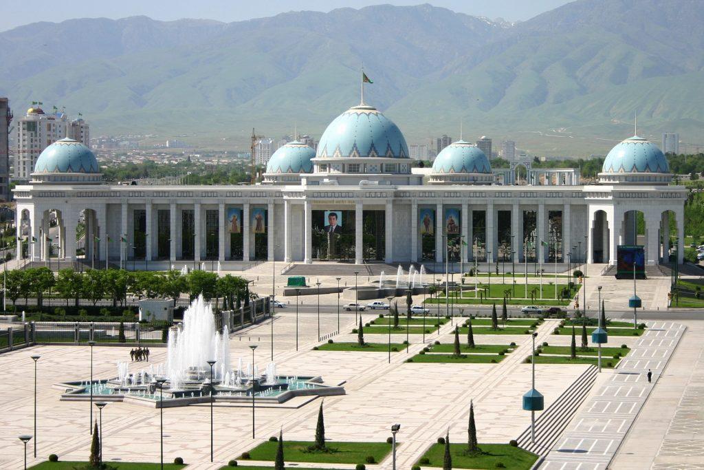 1 1024x683 - TURKMENISTAN – historia i nieskalana natura - wyprawa