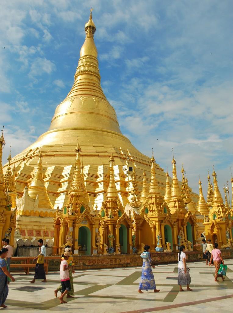 Shwedagon Pagoda Yangon NikonD60 20111010 7 764x1024 - BIRMA NIEZNANA – wyprawa z dala od utartych szlaków...
