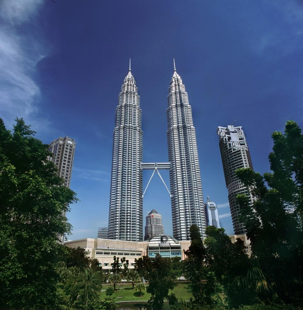 Twin Towers 999x1024 - MALEZJA – BRUNEI – BORNEO – SINGAPUR – wyprawa magiczna