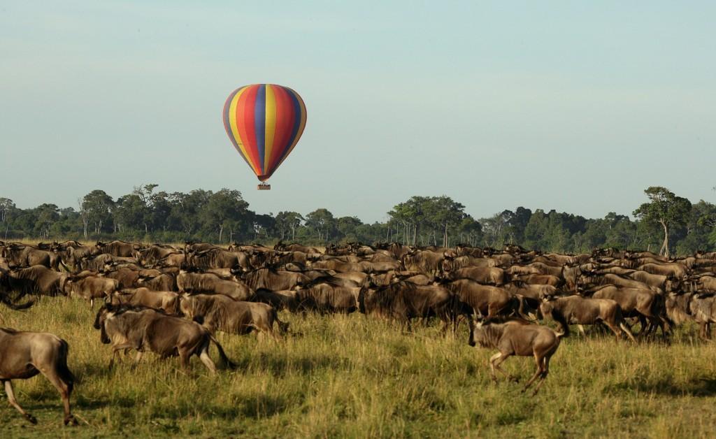 hot air ballooning over the migration 2 1 1024x628 - TANZANIA I ZANZIBAR