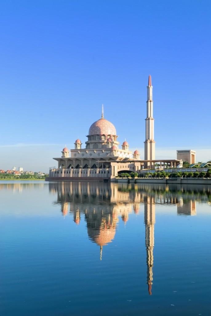 iStock 000002556163Small 686x1024 - MALEZJA – BRUNEI – BORNEO – SINGAPUR – wyprawa magiczna