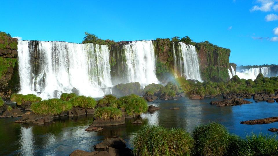 iguazu falls 455610 960 720 - BRAZYLIA z Amazonią, Foz do Iguazu i Pantanalem - wycieczka