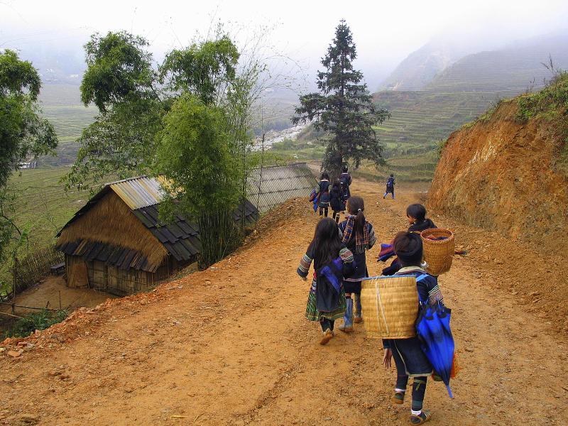 stock photo 3449991 girls from the hmong tribe in sapa vietnam 1 - WIETNAM: wyprawa szlakiem smaków orientu