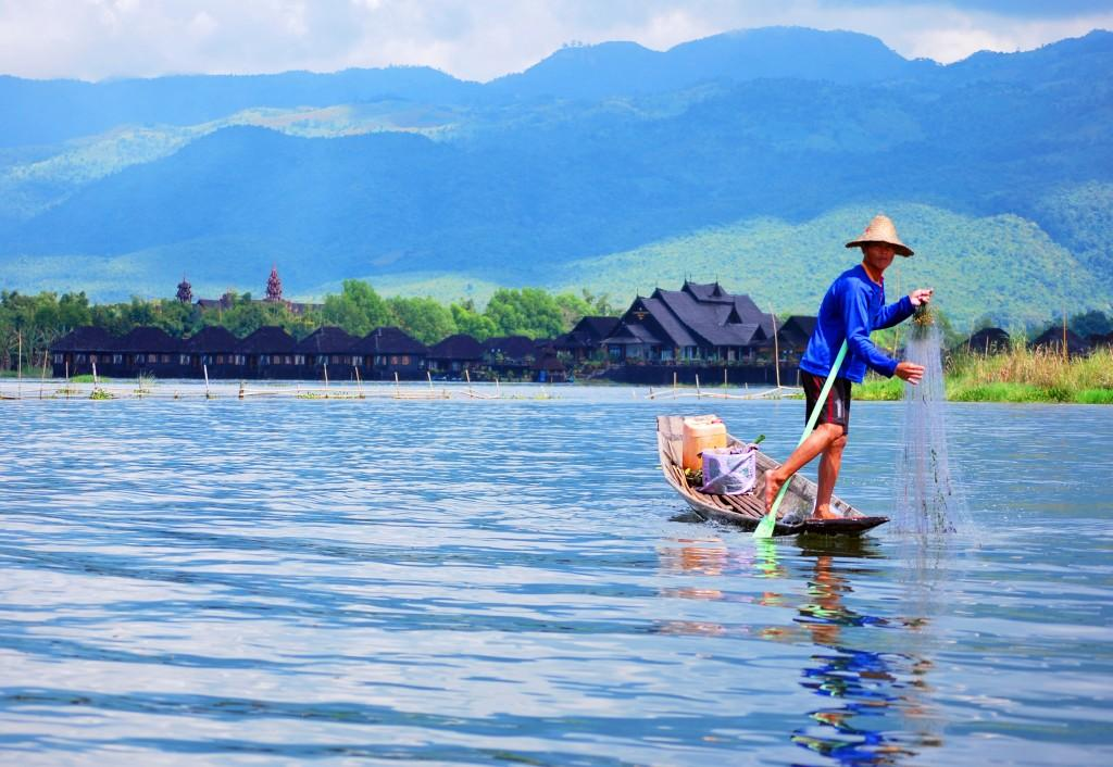 Inle Lake NikonD60 20111015 124  q 1024x706 - BIRMA: wyprawa na Festiwal w pagodzie Phaung Daw Oo