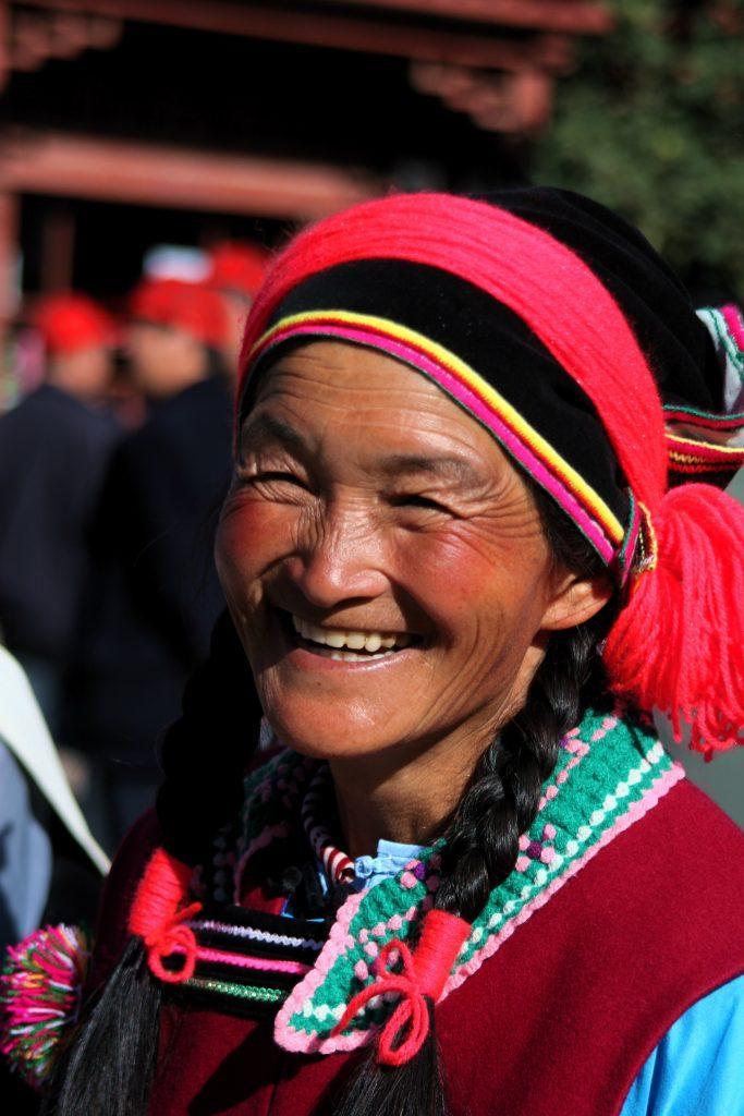 YUNAN MNIEJSZOSC NARODOWA 683x1024 - CHINY POŁUDNIOWE: Syczuan – Yunnan: wyprawa na Festiwal Pochodni