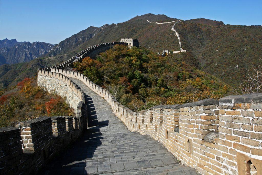 WIELKI MUR 5 1024x683 - CHINY: Największe atrakcje Państwa Środka – Góry Tęczowe, rejs po Jangcy, Park Zhangjiajie