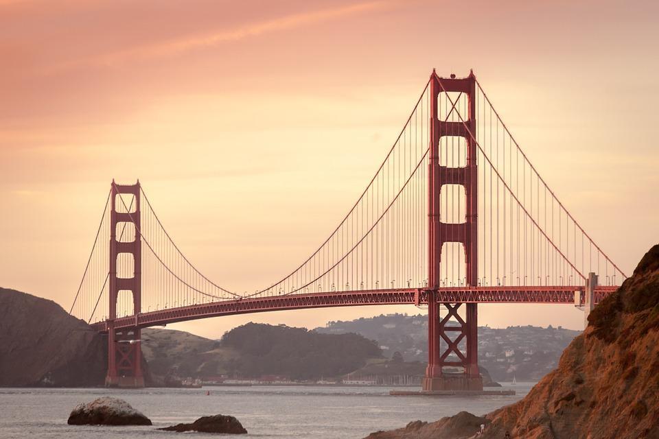 golden gate bridge 388917 960 720 - USA: Najpiękniejsze miejsca Zachodnich Stanów