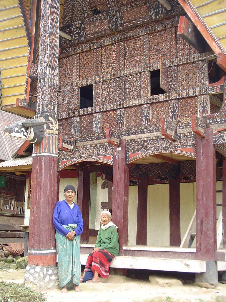traditiona house 768x1024 - INDONEZJA: Sulawesi – Bali – Sumba: wyprawa na Festiwal Pasola