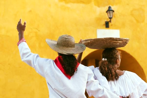 KOLUMBIA – wyprawa do San Escobar - wieloryby i Indianie…
