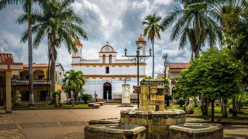 AMERYKA ŚRODKOWA – wyprawa Śladami Majów: GWATEMALA – HONDURAS – BELIZE – SALWADOR