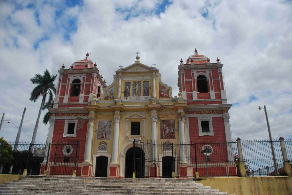 Iglesia Calvario Leon NIkaragua 1024x685 - KOSTARYKA, NIKARAGUA I PANAMA  – SZLAKIEM KOLORÓW NATURY