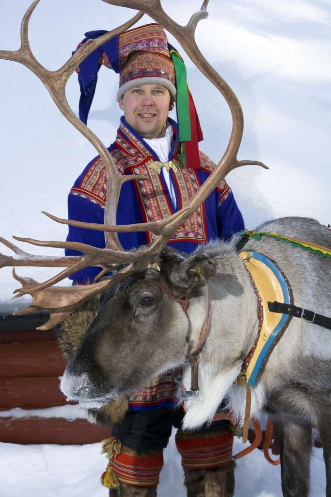 15513644657 2c30bc970b k 683x1024 - FINLANDIA: Helsinki, Laponia, zorza polarna i Święty Mikołaj - wycieczka