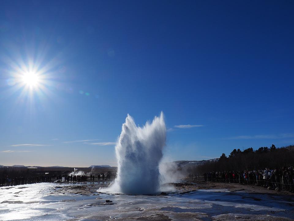 geyser 3242001 960 720 - ISLANDIA – zorza polarna, lodowce, gejzery i wodospady - wycieczka