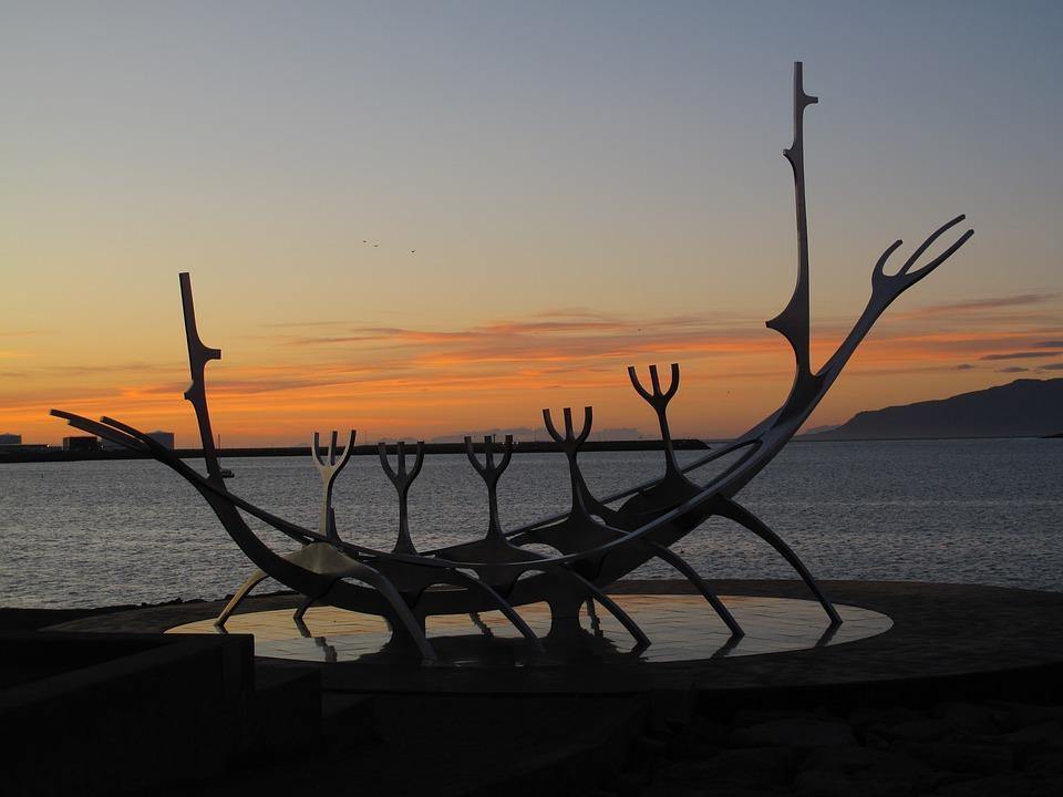 iceland 1883899 960 720 - ISLANDIA – zorza polarna, lodowce, gejzery i wodospady - wycieczka