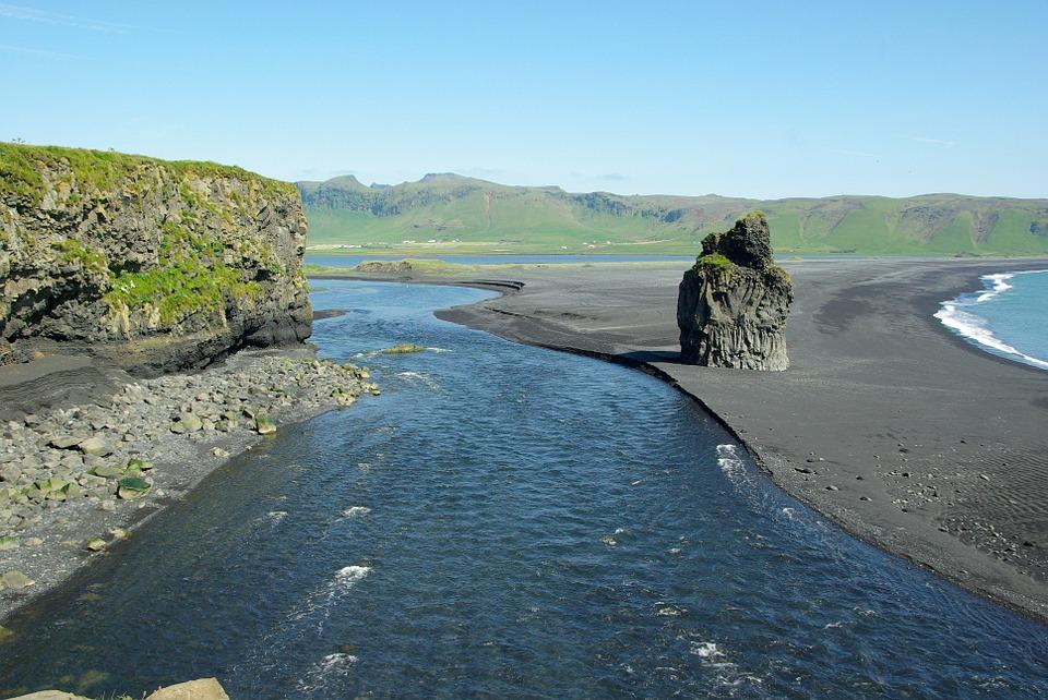 iceland 490085 960 720 - ISLANDIA – zorza polarna, lodowce, gejzery i wodospady - wycieczka