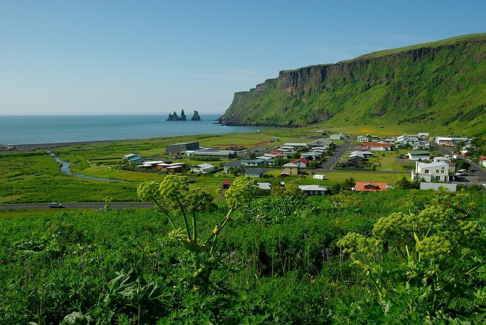 iceland 533875 960 720 - ISLANDIA – zorza polarna, lodowce, gejzery i wodospady - wycieczka