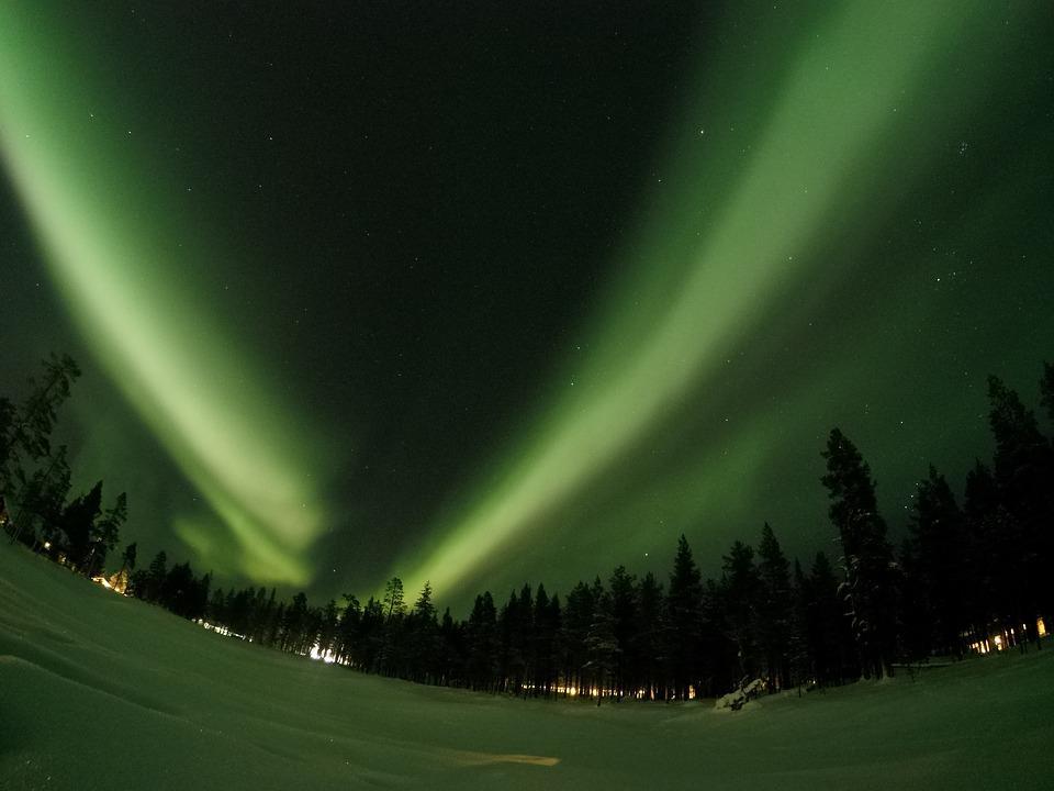 northern lights 1987456 960 720 1 - FINLANDIA: Helsinki, Laponia, zorza polarna i Święty Mikołaj - wycieczka
