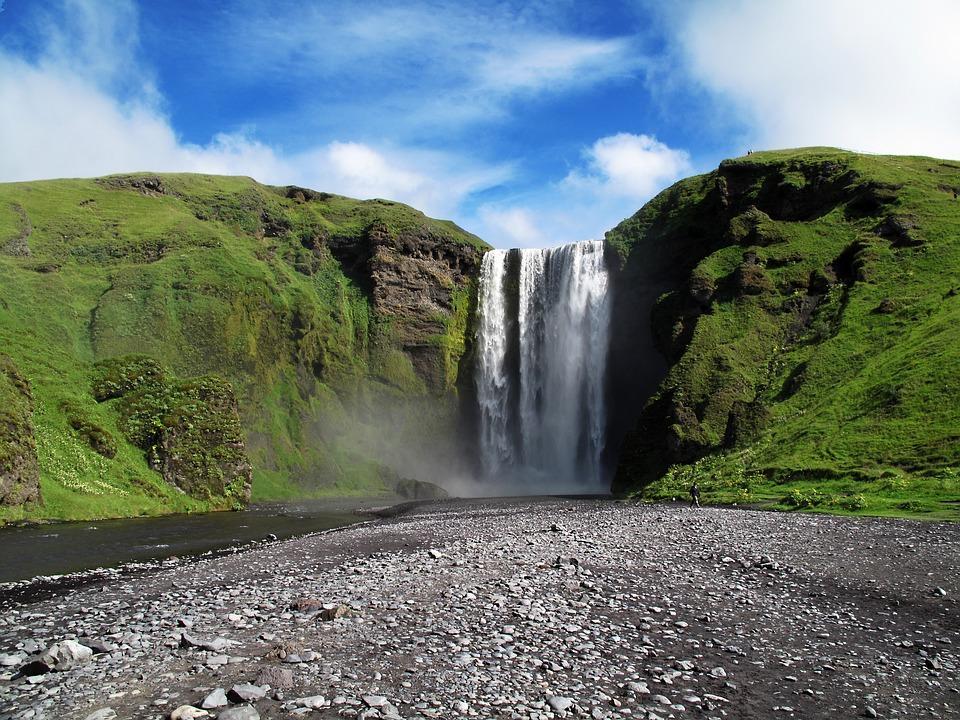 skogafoss 1350909 960 720 - ISLANDIA – zorza polarna, lodowce, gejzery i wodospady - wycieczka