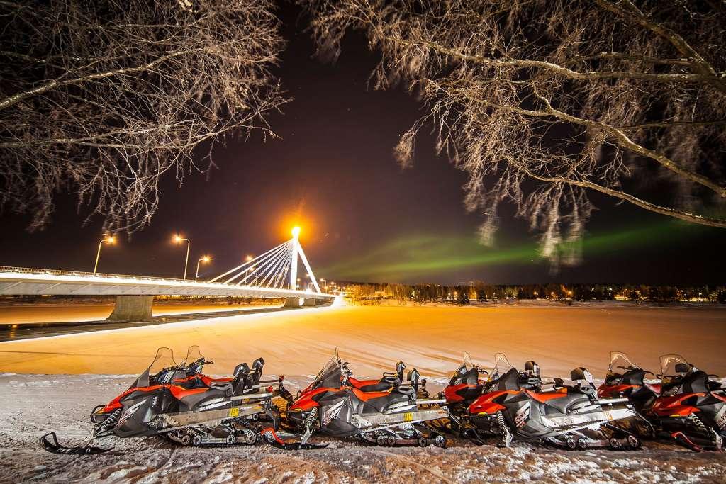 visit rovaniemi love northern lights web opt 5 1024x683 - FINLANDIA: Helsinki, Laponia, zorza polarna i Święty Mikołaj - wycieczka