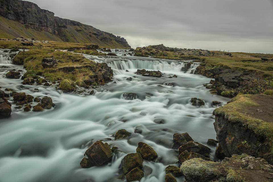 waters 3240537 960 720 - ISLANDIA – zorza polarna, lodowce, gejzery i wodospady - wycieczka