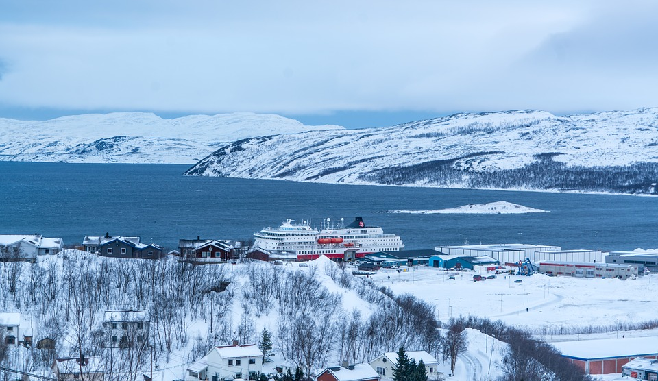 kirkenes 2068920 960 720 - NORWEGIA: rejs statkiem do Kirkenes i sylwester w lodowym hotelu