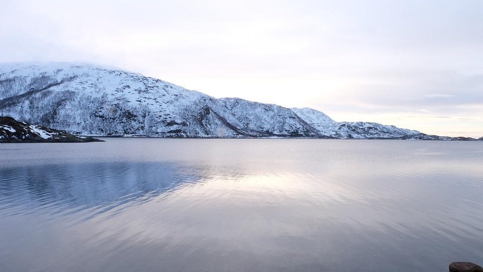 lauklines kystferie 682086 960 720 - NORWEGIA: rejs statkiem do Kirkenes i sylwester w lodowym hotelu