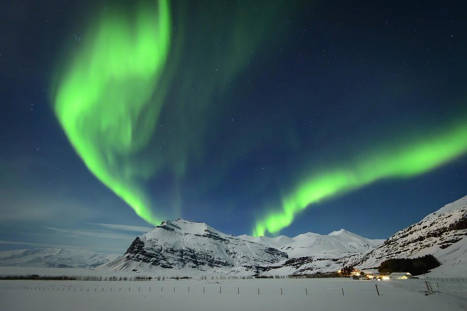 north 4718160 960 720 - NORWEGIA: rejs statkiem do Kirkenes i sylwester w lodowym hotelu