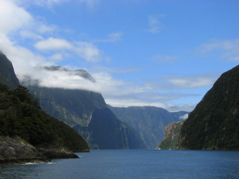 32. Park Narodowy Fiordland który jest największym parkiem narodowym Nowej Zelandii gdzie najważniejszym elementem krajobrazu są fiodry 1 - NOWA ZELANDIA – wyprawa na drugi koniec świata po przestrzeń i niekończąca się wolność + opcja FIDŻI i TONGA