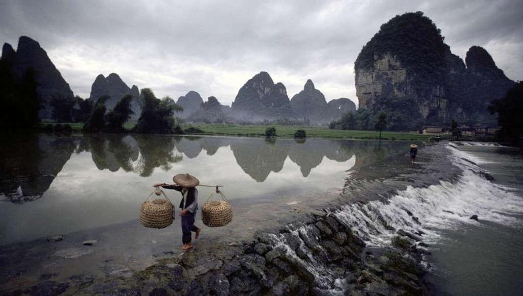 Guilin Li River 3 1024x580 - CHINY: Największe atrakcje Państwa Środka – Góry Tęczowe, rejs po Jangcy, Park Zhangjiajie
