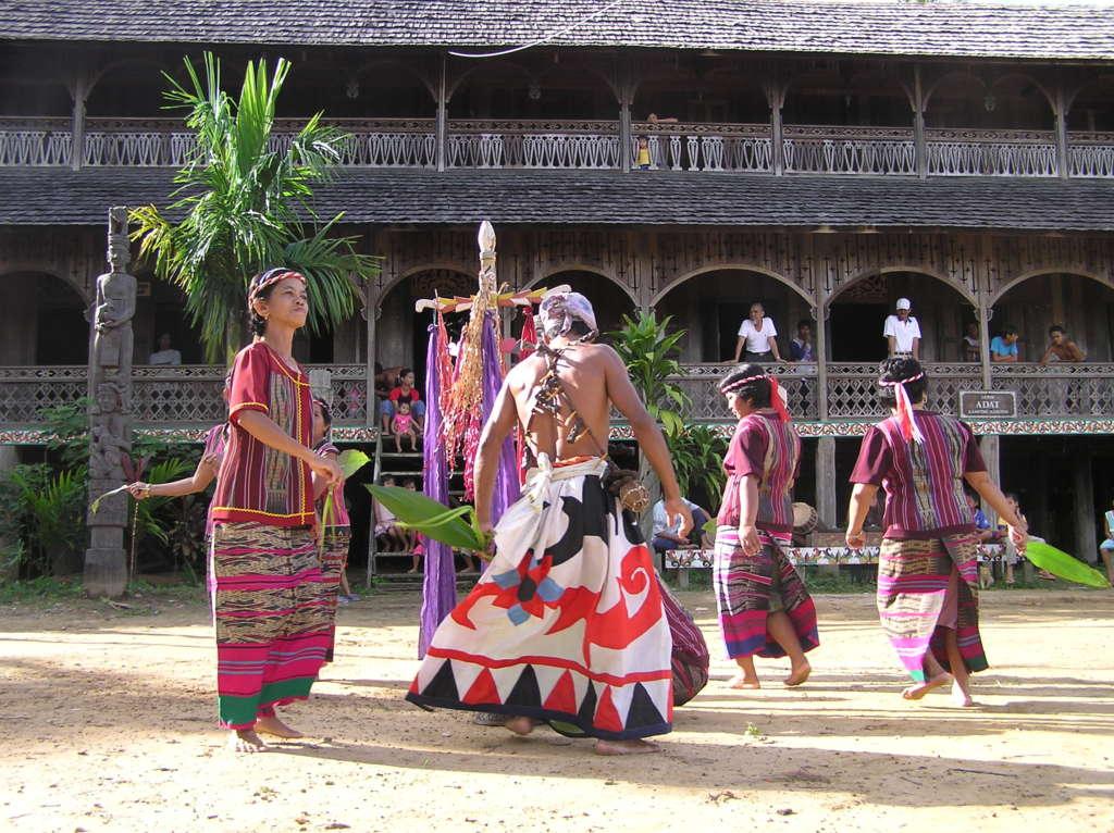 HEALING DANCE 1024x766 - MALEZJA – BRUNEI – BORNEO – SINGAPUR – wyprawa magiczna