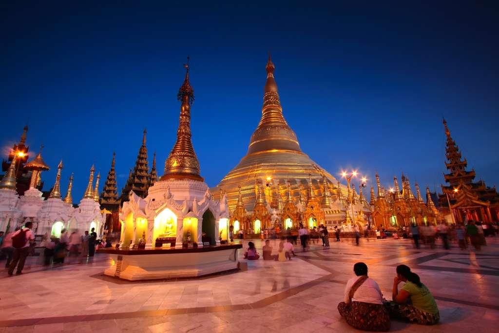 Shewadon Pagoda Yagon 1024x683 - BIRMA: wyprawa na Festiwal w pagodzie Phaung Daw Oo
