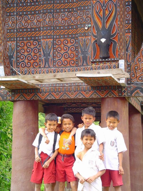 Toraja Kids - PAPUA ZACHODNIA – wyprawa w nieznane