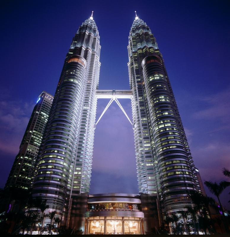 Twin Tower Night - MALEZJA – BRUNEI – BORNEO – SINGAPUR – wyprawa magiczna