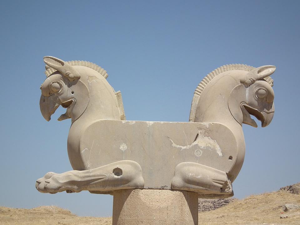 ancient ruins 1988197 960 720 - IRAN : perła orientu - wyprawa