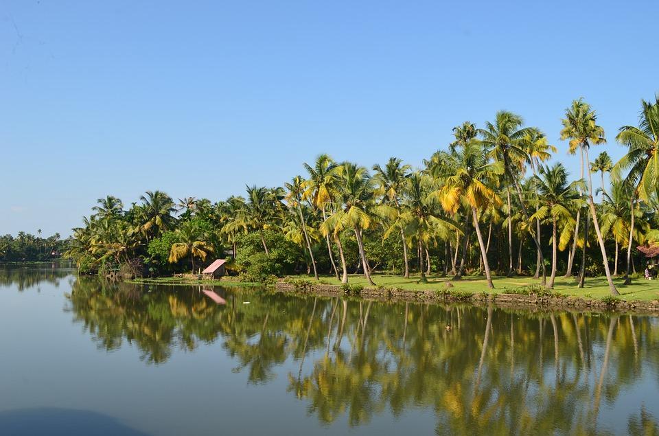backwater 1644507 960 720 - INDIE POŁUDNIOWE: Kerala i festiwal Theyyam - wycieczka