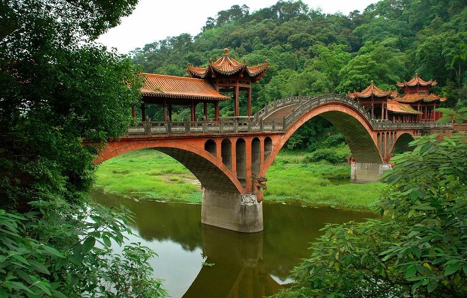 bridge 1887392 960 720 - CHINY POŁUDNIOWE: Syczuan – Yunnan: wyprawa na Festiwal Pochodni