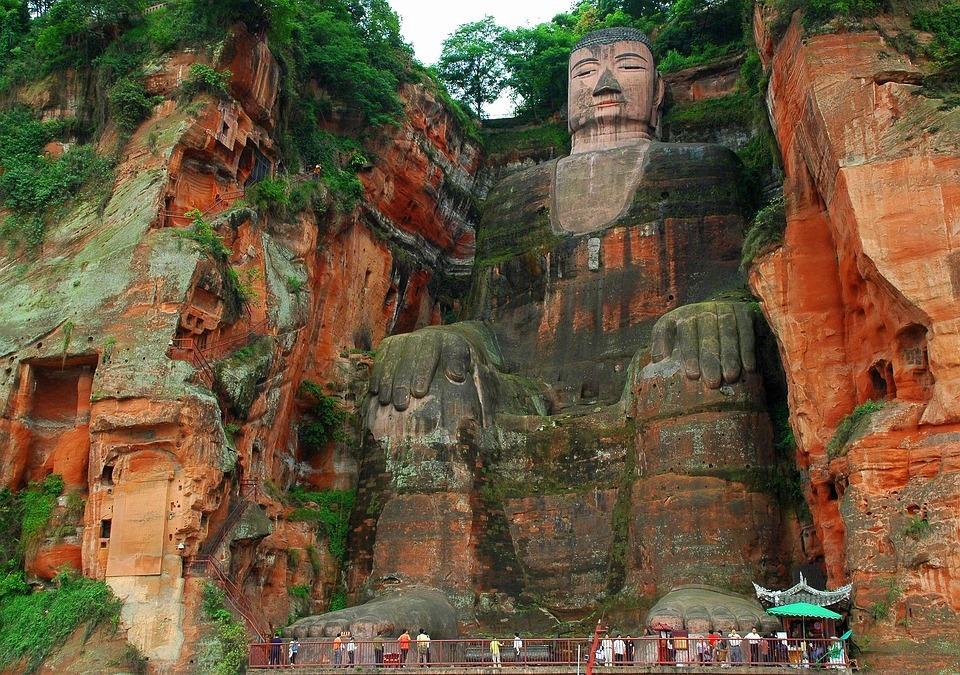 buddha 1858964 960 720 - CHINY POŁUDNIOWE: Syczuan – Yunnan: wyprawa na Festiwal Pochodni