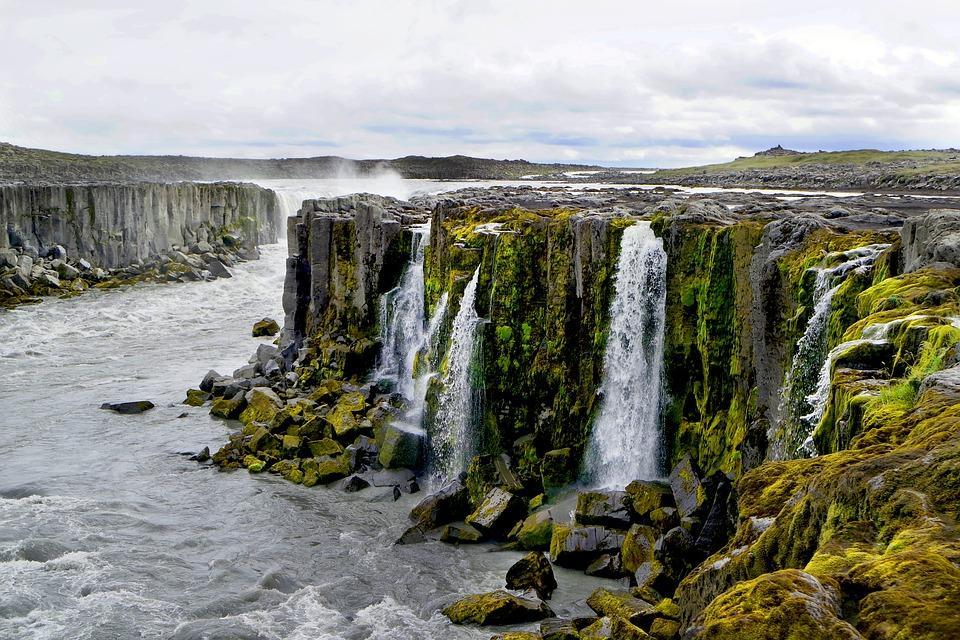 cascade 2676702 960 720 - ISLANDIA: magiczna wyprawa dookoła wyspy