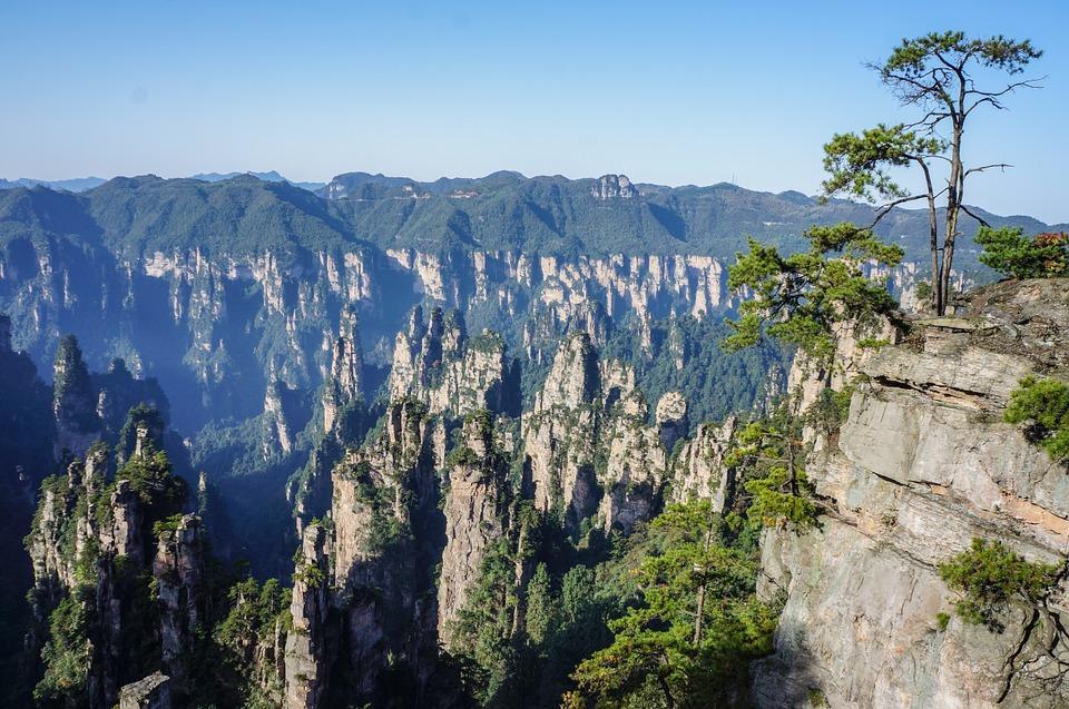china 222363 960 720 - CHINY: Największe atrakcje Państwa Środka – Góry Tęczowe, rejs po Jangcy, Park Zhangjiajie