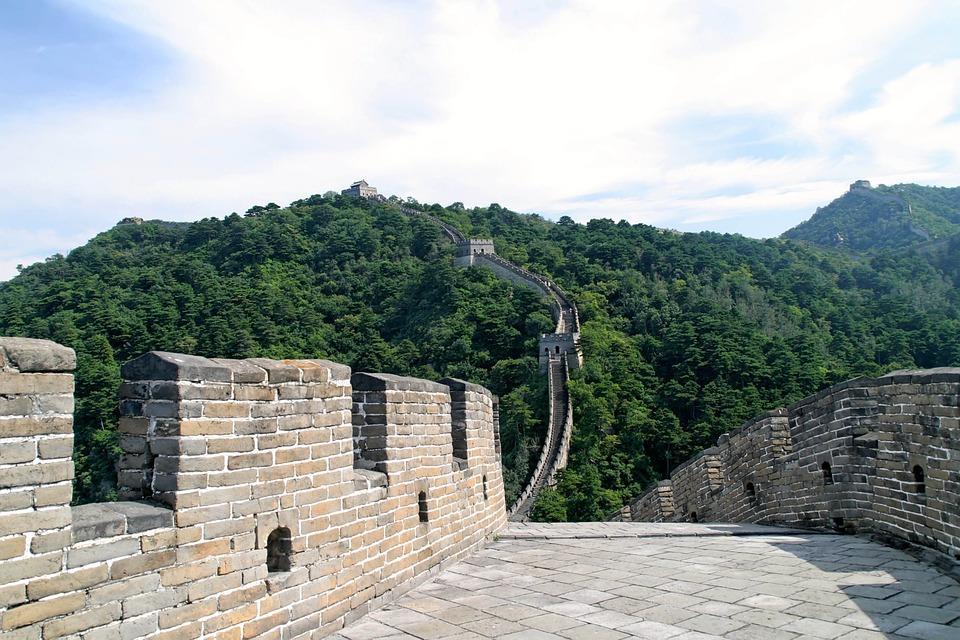 chinese 1028101 960 720 - CHINY: Największe atrakcje Państwa Środka – Góry Tęczowe, rejs po Jangcy, Park Zhangjiajie