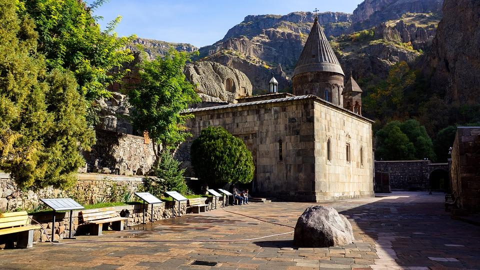 church 1832512 960 720 - AZERBEJDŻAN – GRUZJA – ARMENIA