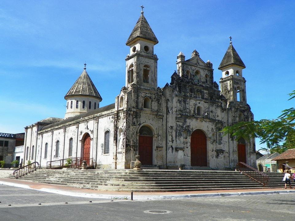 church 545503 960 720 - KOSTARYKA, NIKARAGUA I PANAMA  – SZLAKIEM KOLORÓW NATURY