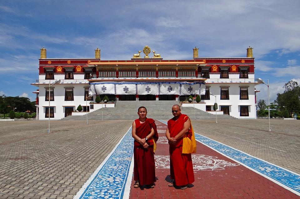 drepung gomang monastery 194994 960 720 - TYBET: niezwykła wyprawa na Festiwal Shoton