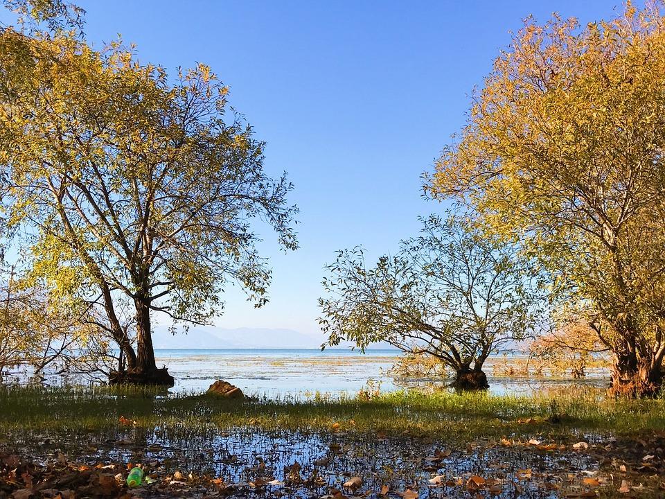 erhai lake 2582161 960 720 - CHINY POŁUDNIOWE: Syczuan – Yunnan: wyprawa na Festiwal Pochodni