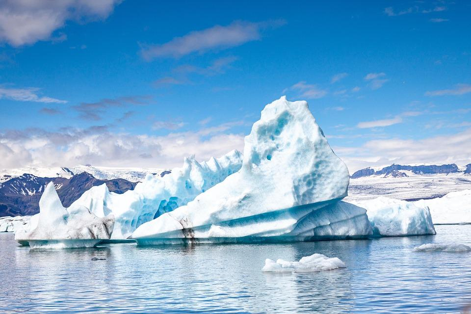 iceberg 3599537 960 720 - ISLANDIA: magiczna wyprawa dookoła wyspy