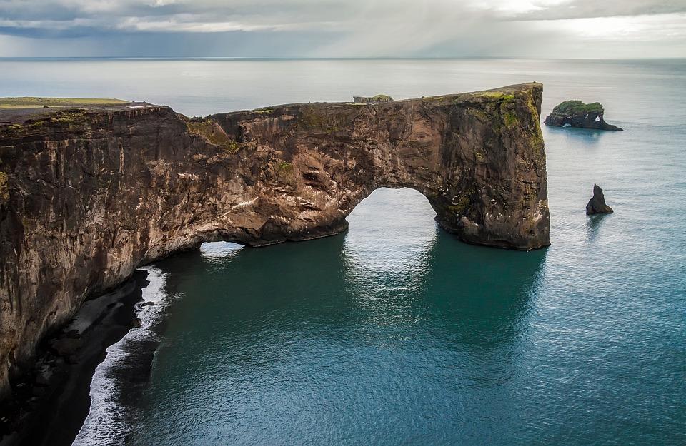 iceland 2046461 960 720 - ISLANDIA: magiczna wyprawa dookoła wyspy