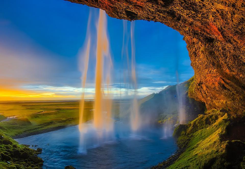 iceland 2111810 960 720 - ISLANDIA: magiczna wyprawa dookoła wyspy