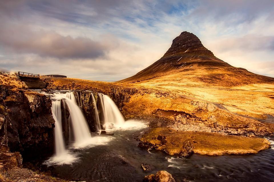 iceland 2372829 960 720 - ISLANDIA: magiczna wyprawa dookoła wyspy