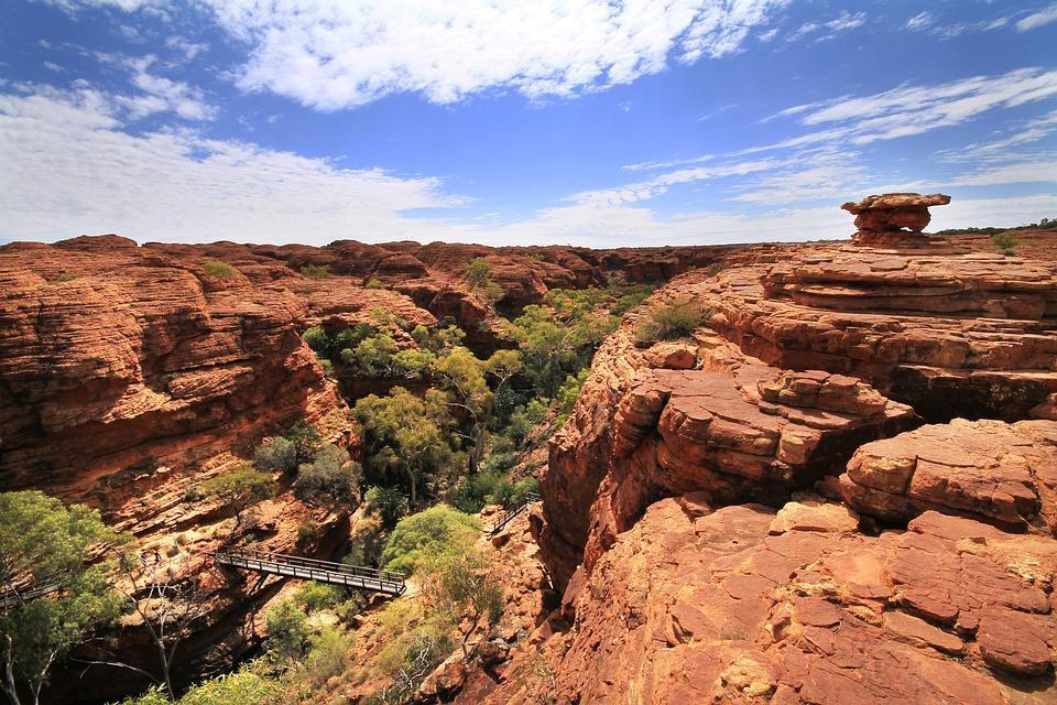 kings canyon 1076317 960 720 - AUSTRALIA z Tasmanią: kangury, psy dingo, diabły tasmańskie i misie koala – wyprawa
