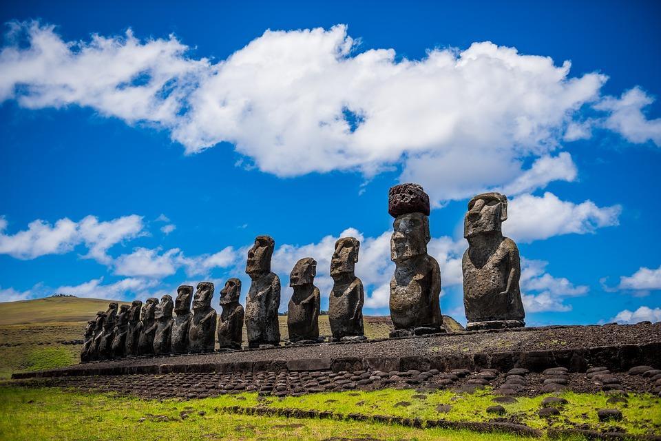 moai 1857652 960 720 - CHILE: Parki Narodowe + niezwykła WYSPA WIELKANOCNA: wyprawa marzeń